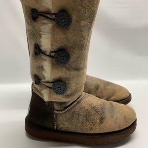 Ugg Australia Bailey Button Distressed  Boots 8